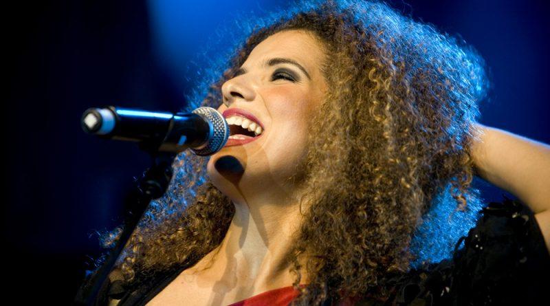 Vanessa da Mata e 'Enredança' são destaques em maio no Polytheama