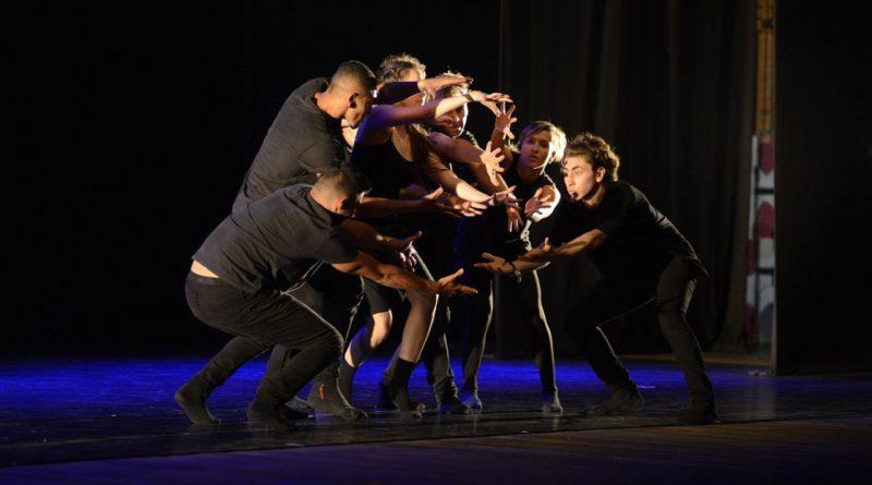 Espetáculo de dança no Enredança