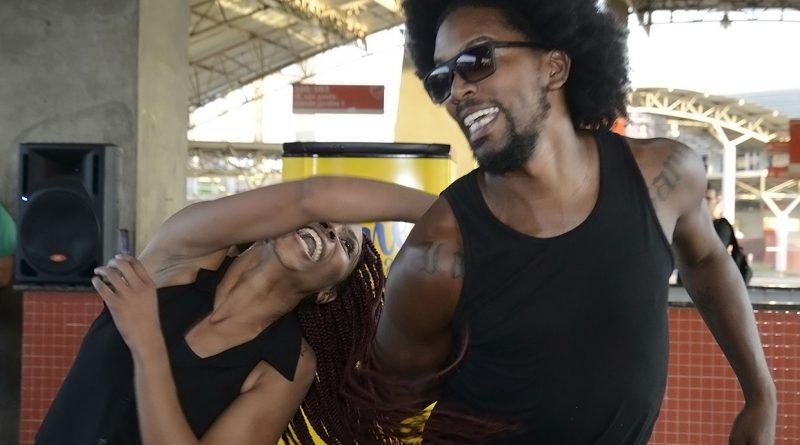 dançarinos de hip hop vão dançar no Complexo Fepasa